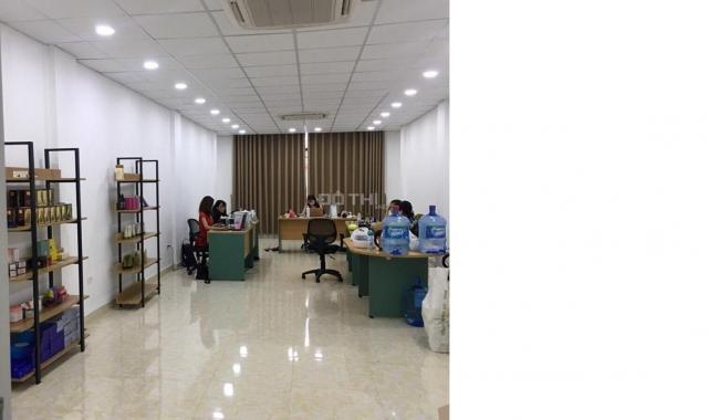Cho thuê nhà ở đường Bưởi, 112m2 x 3 tầng, full nội thất cho người nước ngoài và vp