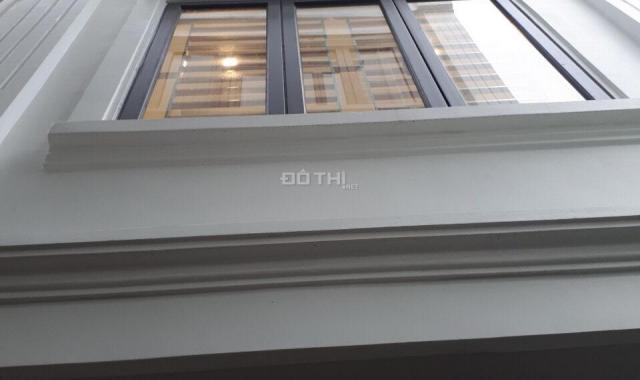 Cần để lại nhà 33m2, 5 tầng, cách chợ Hà Đông 200m, chỉ 1.95 tỷ, LH 0916064035