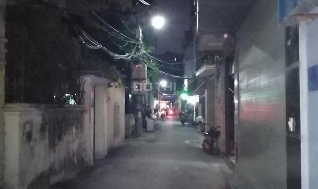 Vị trí nhà mặt phố Yên Phúc, ô tô 7 chỗ qua lại, đường nhựa thẳng tắp, kinh doanh nhỏ rất ổn