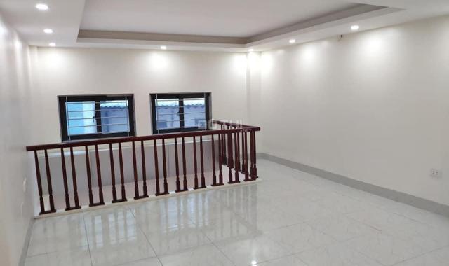 Nhà tuyệt đẹp gần phố 32m2 x 5 tầng Cầu Bươu, giá chỉ 2.27 tỷ. LH 0916438286, 0328113965