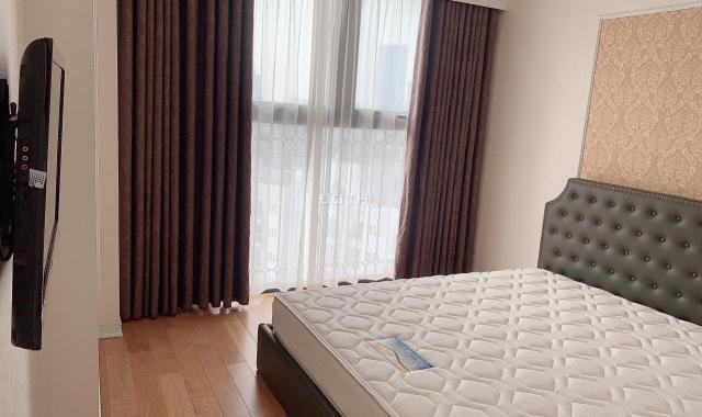 Cho thuê căn hộ cao cấp tại The Golden Armor (B6 Giảng Võ) 110m2, 3PN, view hồ giá 18triệu/tháng