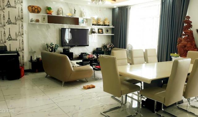 Bán gấp căn hộ Giai Việt 230m2 (4PN) full nội thất cao cấp sang trọng. LH: 0903360699