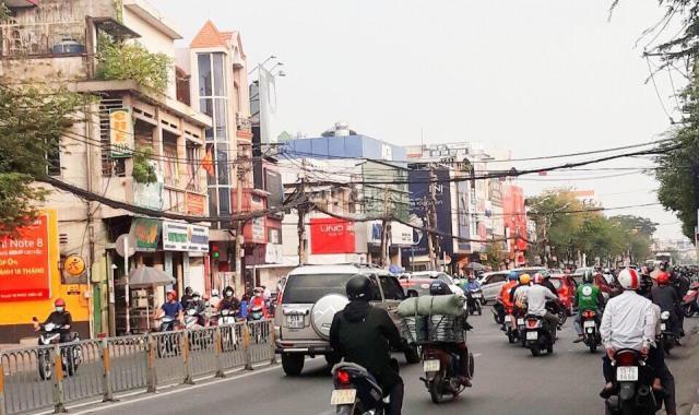 Cho thuê nhà nguyên căn giá rẻ MT 224 Trần Hưng Đạo, Quận 1