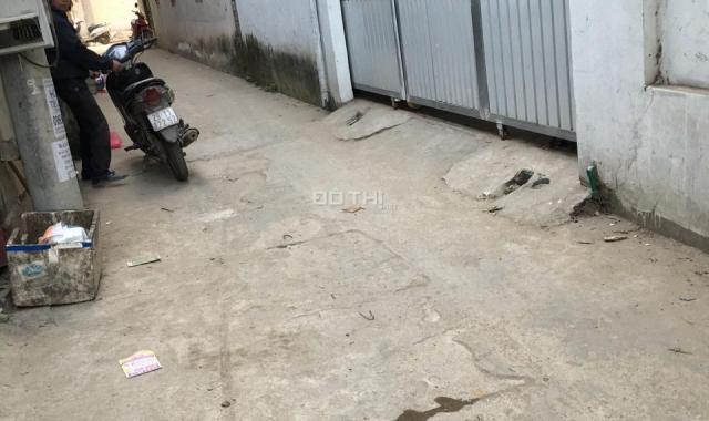 Cần bán nhà tại Huyền Kỳ, Phú Lãm, 30m2, xây 2 tầng, lh 0936135299