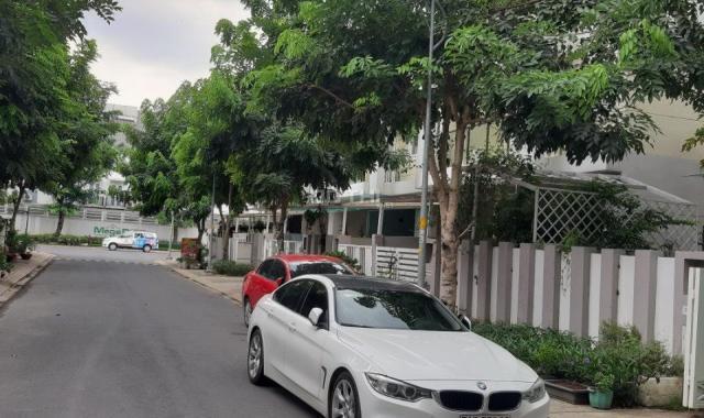 Cần bán căn nhà phố 1 trệt 2 lầu khu Mega Ruby, phường Phú Hữu, quận 9, nhà đẹp LH 0914.920.202