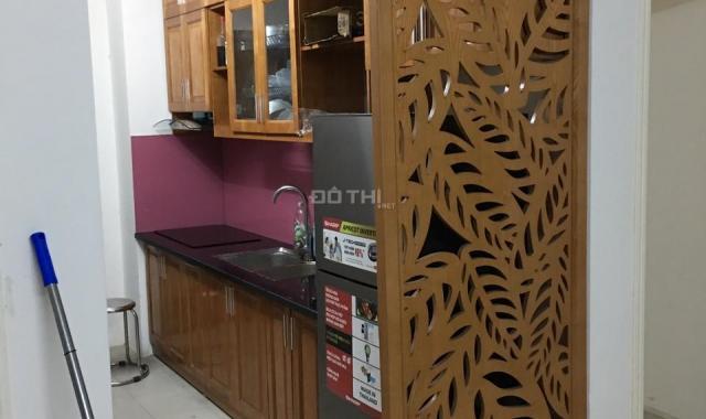 Tôi cần bán căn hộ tòa 18T Golden An Khánh, có 2 điều hòa, tủ bếp, sàn gỗ giá 1,14 tỷ bao phí