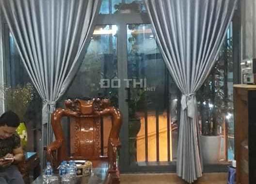 Bán nhà 30m2 mặt phố Hoè Nhai, Ba Đình, 5 tầng, tiện làm văn phòng, quán ăn, giá 13,5 tỷ