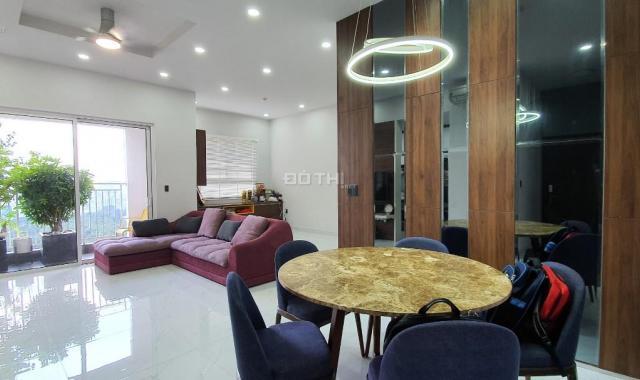 Bán căn góc DT lớn 98m2, nội thất ở làm tỉ mỉ, tầng cao view Đông Nam. Giá 5.2 tỷ (100% GTCH)