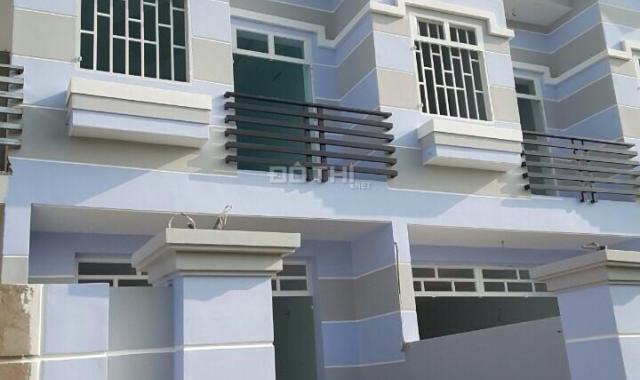 Nhà mới xây rất đẹp, gần chợ Hưng Long, giá từ 500 triệu/căn