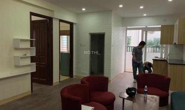 CC bán căn hộ lô góc Bắc Linh Đàm, 2PN, 1.3 tỷ