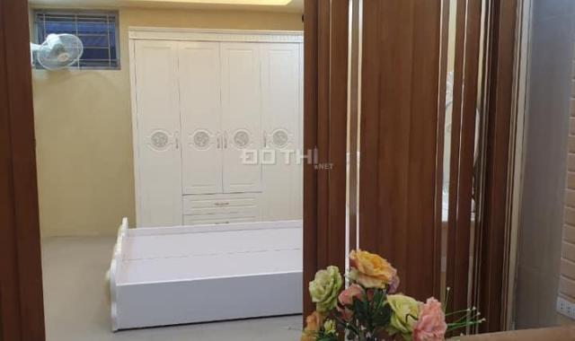 Cần bán gấp CH tập thể phố Nguyễn Khang giá 1.1 tỷ, 45m2, cải tạo đẹp