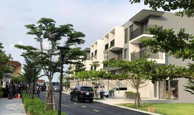 Nhà phố cao cấp mặt tiền đường lớn 15m KDC biệt lập an ninh 24/7 gần chợ, trường học, Aeon Mal