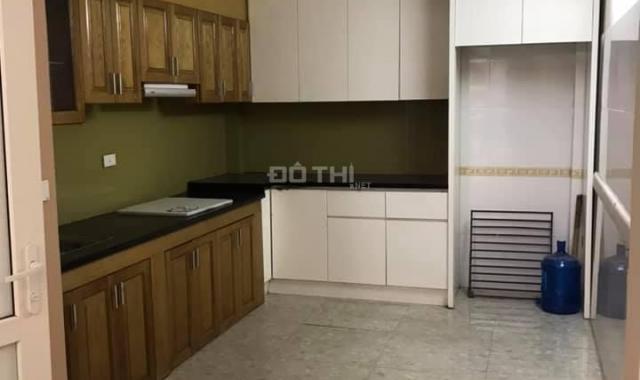 Cho thuê nhà trọ gần Linh Đàm, riêng biệt, thoáng mát, DT 30m2, giá 2.2tr/tháng
