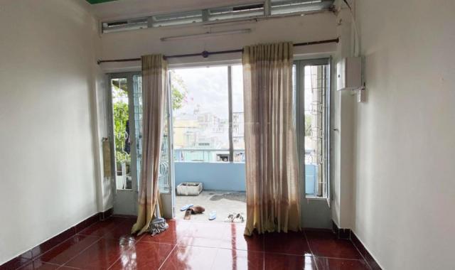 Bán căn hộ Lạc Long Quân, P5, Q11 43m2 giá: 1.35 tỷ (bớt lộc)