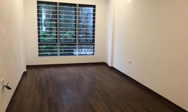 Bán nhà mặt ngõ phố Tân Mai, DT 43m2 x 5 tầng xây mới, ô tô vào nhà