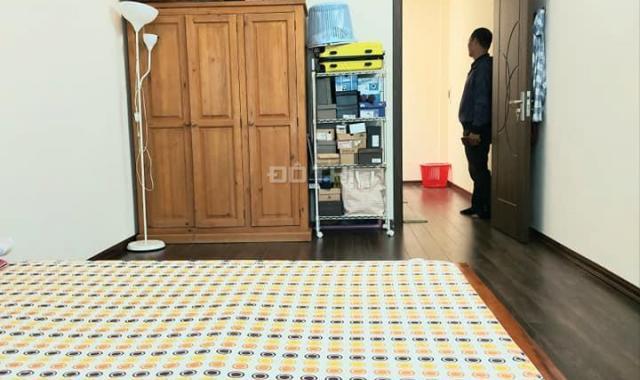Bán nhà đẹp Mai Động ở luôn mặt tiền rộng ngõ thông gần ô tô, 43m2, giá 2 tỷ 47