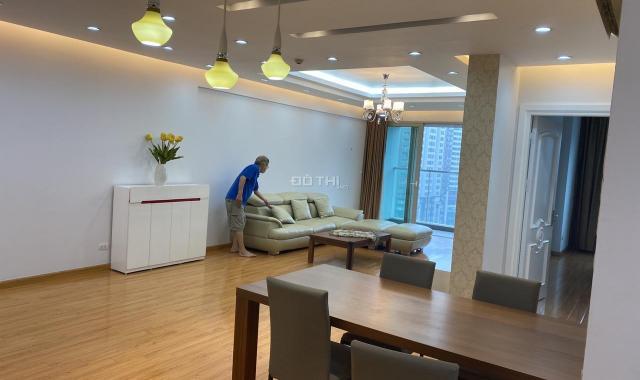 Bán căn góc 172m2 tầng 20 tòa C2 Mandarin Garden. Ban công Đông Nam view Lã Vọng, LHTT: 0936031229