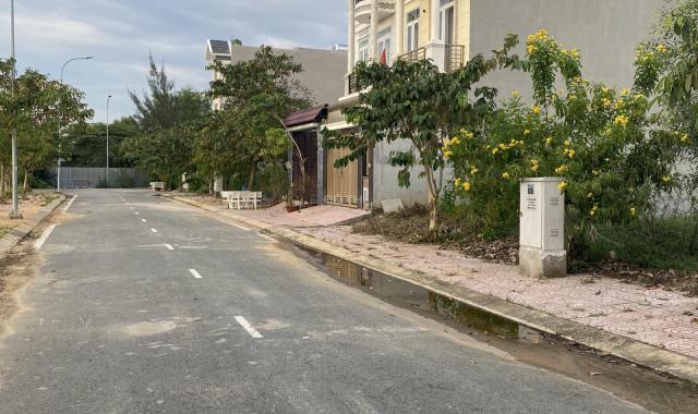 Nền 5*20m lô góc mặt tiền Centana Điền Phúc Thành, đường Trường Lưu, Quận 9 - 35 tr/m2