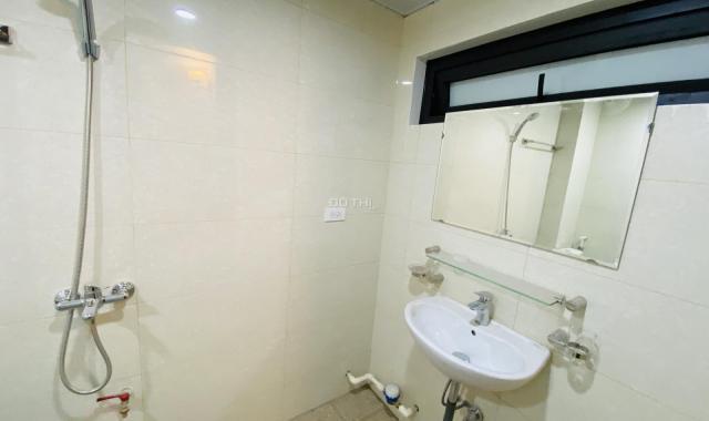 Nhà riêng 634 Kim Giang, DTSD 250m2, 5T, NTCB, 20 triệu/th. LH 0375995653