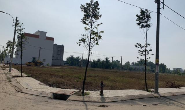 Bán lô đất tại chợ Bình Chánh, 5x16m, full thổ xây dựng tự do
