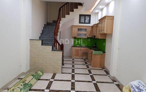 Cho thuê nhà 5 tầng Nguyễn Văn Cừ, Bồ Đề, 35m2/ sàn, giá: 8 triệu/tháng. LH: 0984.373.362