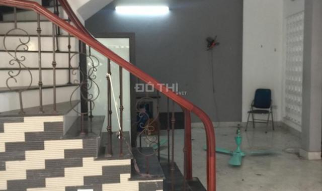 Cho thuê nhà 3 tầng mới xây ngõ ô tô Thạch Bàn, Long Biên. 60m2/ sàn, giá 8 tr/th, Lh: 0984.373.362