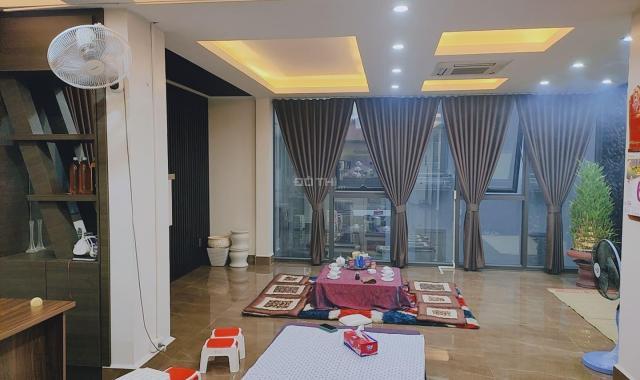 Bán tòa nhà văn phòng phố Nguyễn Hoàng, lô góc, 100m2 x 7T, 26 tỷ