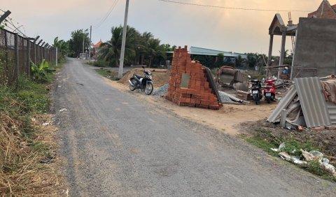 Bán đất tại Thị Trấn Đức Hòa, 5x23m, giá 390 triệu, thổ cư 100%, sổ hồng riêng, xây dựng tự do