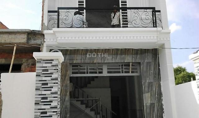 Nhà 2PN + 2WC, sẵn NT ngay chợ Bà Điểm (Hóc Môn) TT 200tr, có hồ bơi + an ninh 24/24 093.220.3848