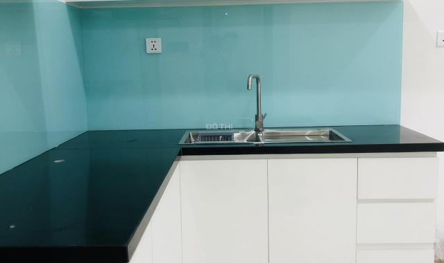 Chính chủ cho thuê căn hộ 1PN + 49m2, view sông, nội thất cơ bản, Vinhomes Grand Park Q9, giá 4.5tr