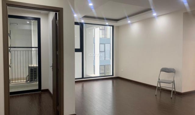 Bán căn hộ 3 phòng ngủ cao cấp, về ở ngay giá 2,624 tỷ cách Ngã Tư Sở 1km. Nhiều tiện ích