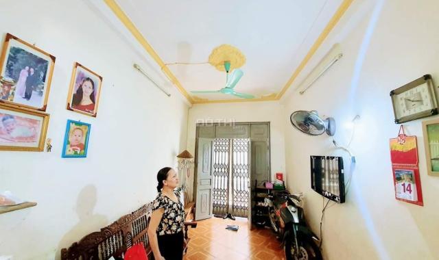 Cần bán gấp nhà phố Nguyễn Chính, Tân Mai 28m2 4 tầng, mặt tiền 3.2m. 1.95 tỷ