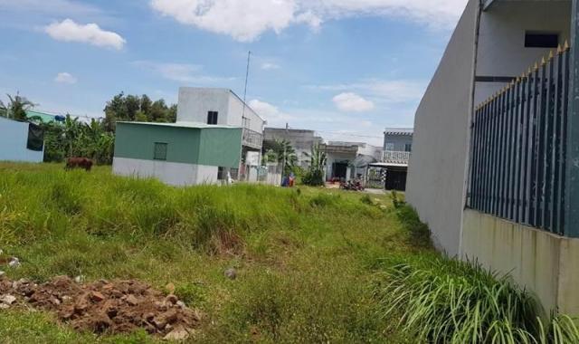 Chú Năm bán gấp lô đất trên đường ĐT 825 ngay khu Lâu Đài 140m2 giá 550 tr