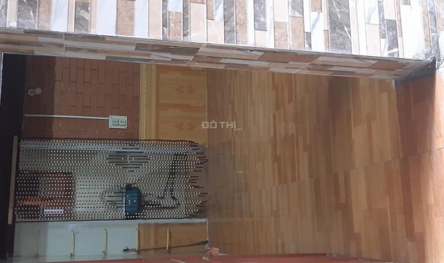 Bán căn hộ tập thể tầng 1 khu Chùa Láng diện tích 20m2, 1 ngủ 1 phụ ở ngay 810 triệu