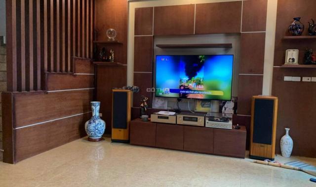 Siêu hiếm, nhà cực đẹp mặt phố Ngọc Thụy, chỉ 100 triệu/m2
