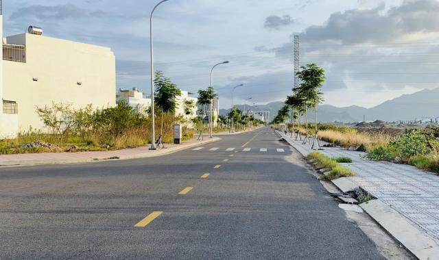 Bán đất khu đô thị Hà Quang 2, xây dựng kinh doanh ngay giá tốt. Liên hệ: 0934797168