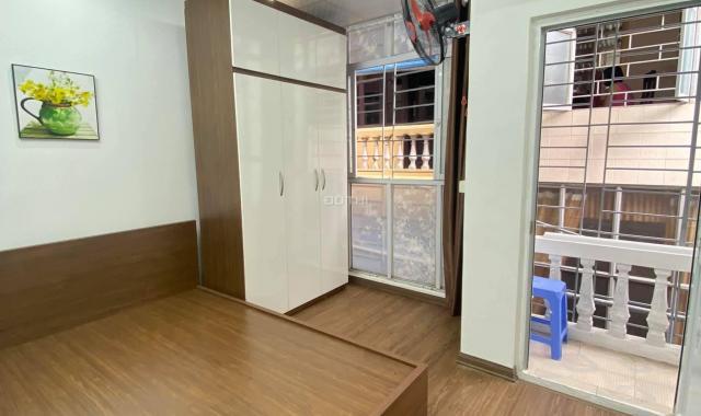 Bán căn hộ chung cư ở đường Láng, Đống Đa cực đẹp 60m2, 2 ngủ, đi bộ ra ô tô 1,5 tỷ