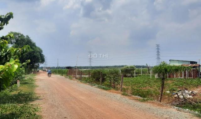 Bán đất Củ Chi, lô đất 2 mặt tiền trước sau, xe tải to, 3.321m2, xã Tân Phú Trung