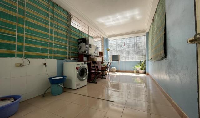 Nhà riêng Bùi Xương Trạch DTSD 200m2 4T 4PN 11 triệu/th. LH 0375995653