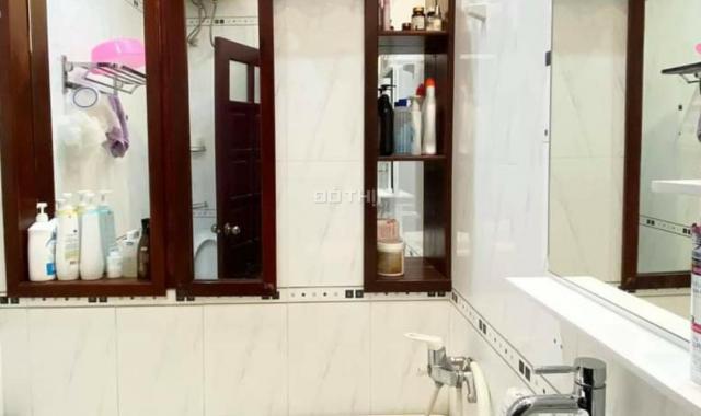 Bán gấp nhà Tân Mai - ô tô đỗ cửa - kinh doanh buôn bán - gần hồ Đền Lừ 0928799221