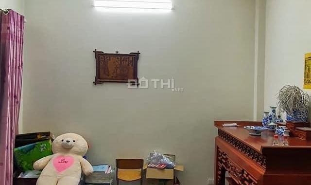 Bán nhà Thanh Xuân - Ngõ thông - Ô tô tránh - lô góc - 38m2 chỉ nhỉnh 2 tỷ