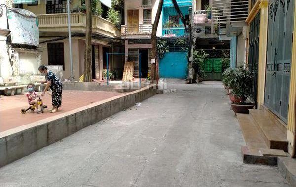 Bán nhà Nguyễn Trãi 21m2 - 4 tầng, MT - 3.6m, SĐCC - giá 2,2 tỷ. LH Thắng - 0962309859