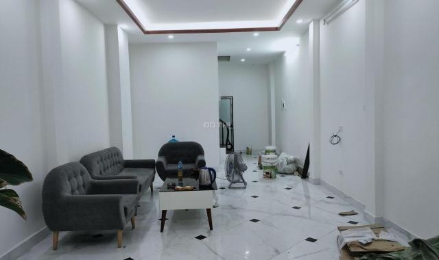 Nhà mặt phố Mai Động, thang máy, KD, cho thuê VP cực hót, DT 47 m2, giá nhỉnh 10 tỷ