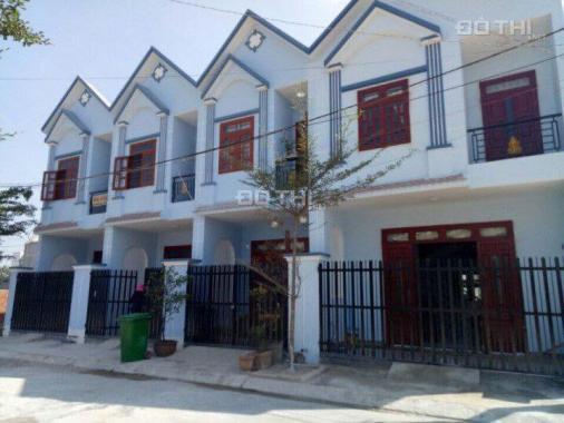 Bán nhà mới 1 trệt, 1 lầu, 4PN, DT 5x20m, SHR 479tr/căn TT 50% nhận nhà. LH 0978392371
