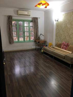 Bán căn hộ tập thể Nam Thành Công, Nguyên Hồng. DT 80m2, đẹp, còn mới tinh, giá 1,8 tỷ