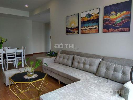 Cho thuê chung cư Discovery Complex, 2 phòng ngủ, vừa xong nội thất, 101m2, 17 tr/th. 0963212876