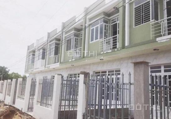 Bán nhà phố 1 trệt, 1 lầu, ngay chợ Hưng Long, giá 500 triệu/căn (0934502009)