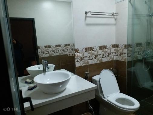 Bán nhà đẹp, phố Chùa Láng, Hà Nội, 5 tầng, giá 5.4 tỷ. LH 0365087780