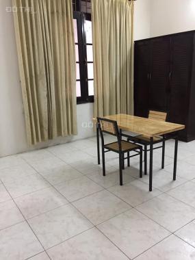 Cho thuê căn hộ 50m2, Lê Văn Lương, Hoàng Đạo Thúy. 5,5tr/th