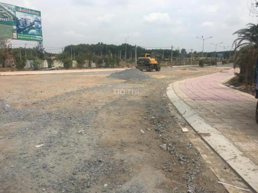Bán đất mặt tiền đường 12m ngay cổng KĐT Mỹ Phước 3, TX Bến Cát, giá 750tr/100m2 có 3 lô liền kề